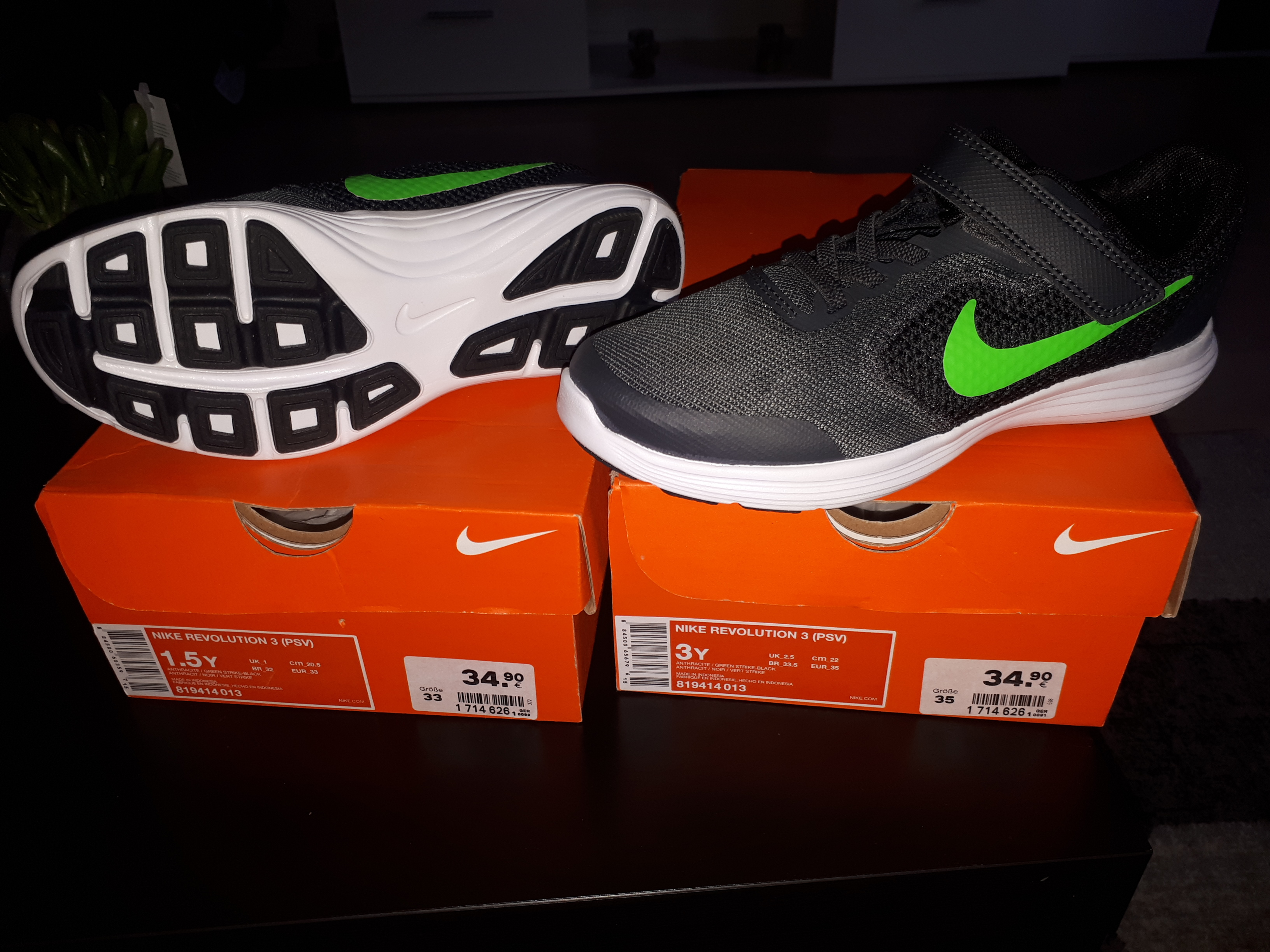 Nike Revolution 3 KIND