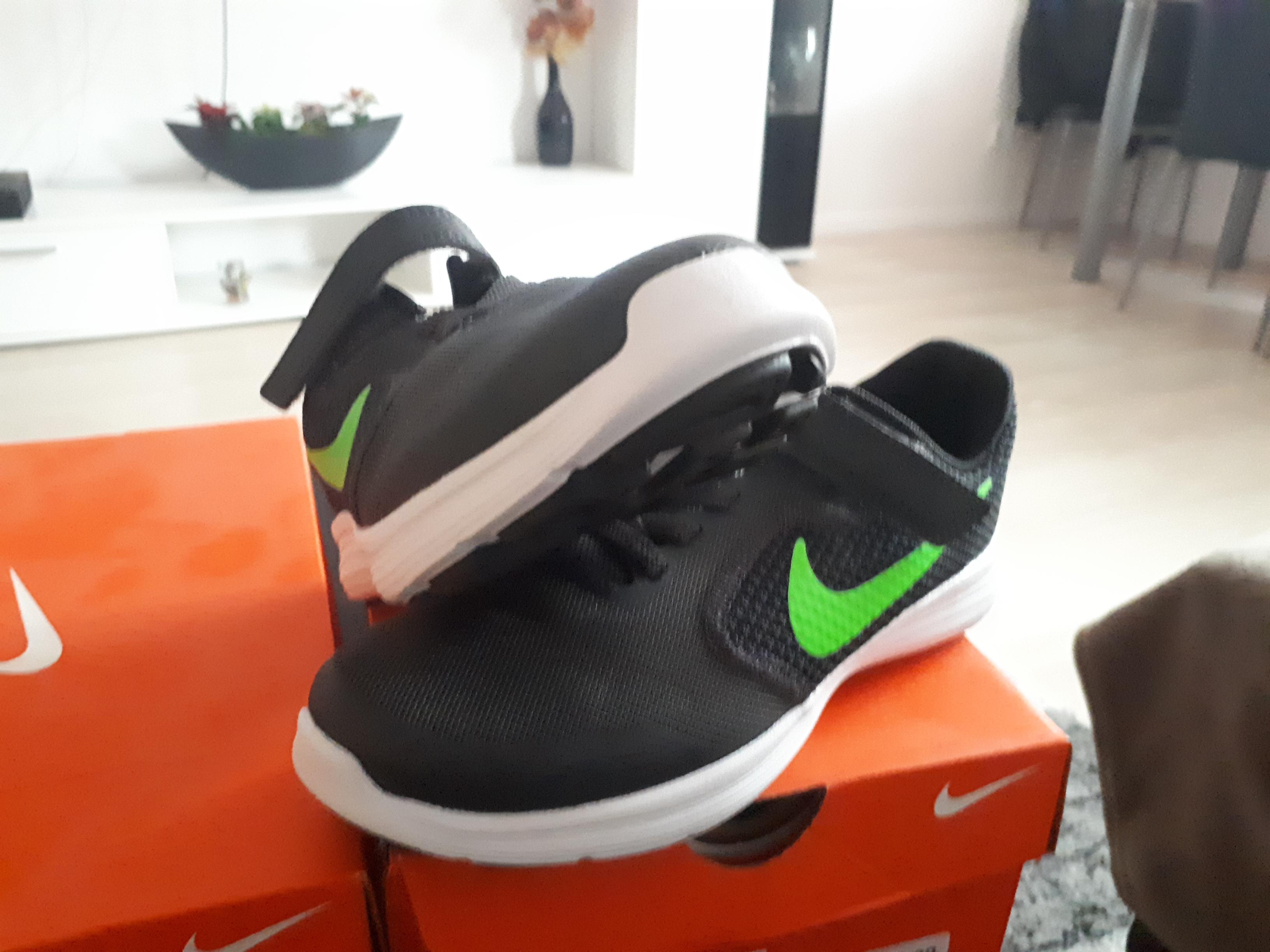 Bild Nummer 2 von Nike Revolution 3 KIND