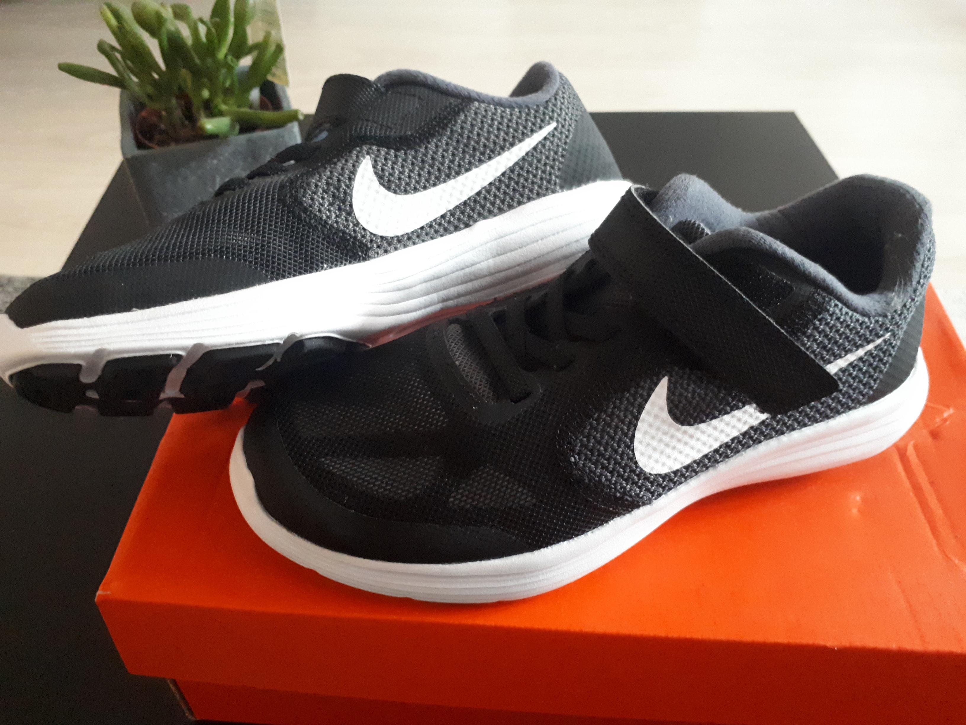 Nike Revolution für Kinder