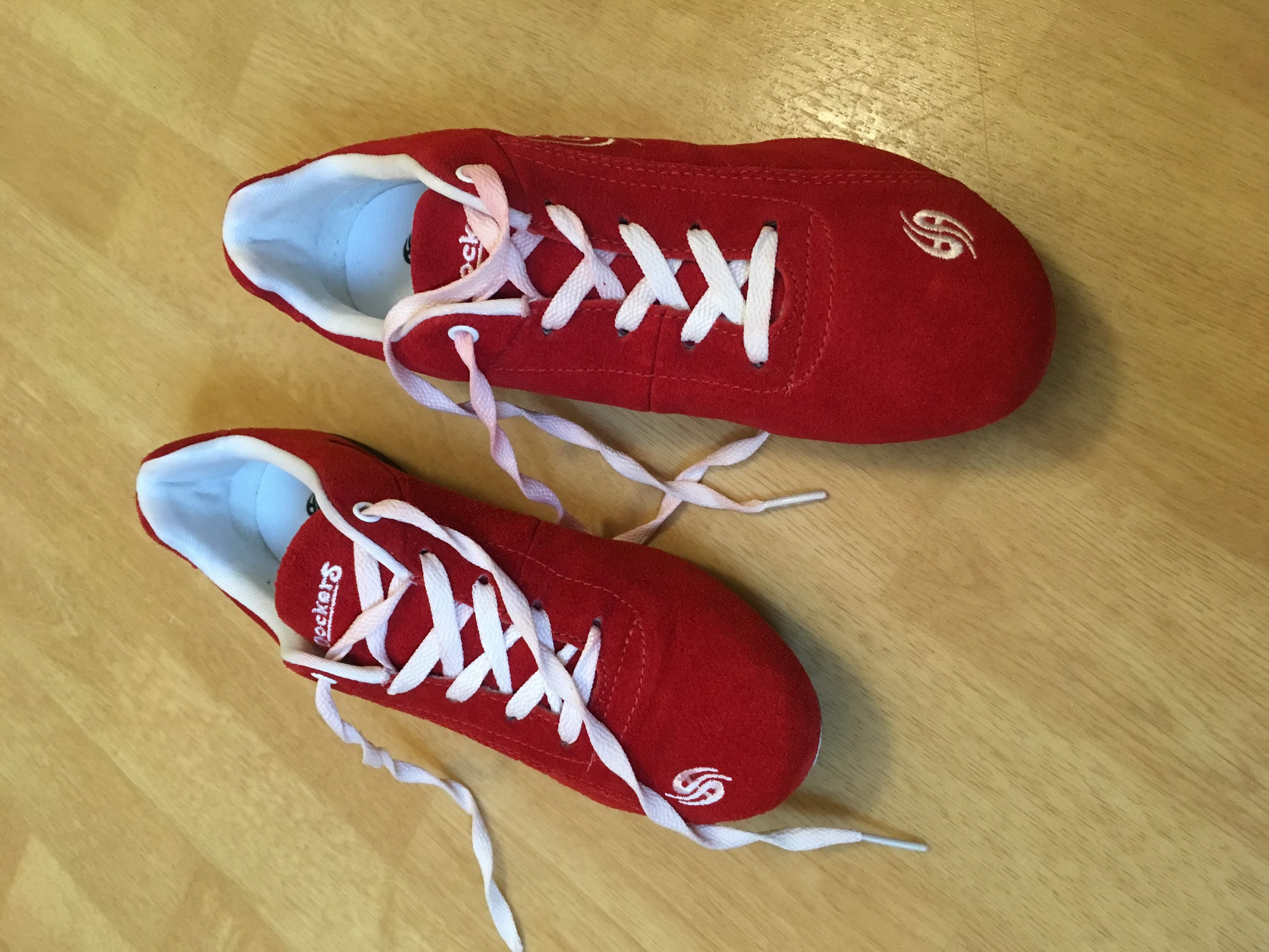 Sneakers, Marke Dockers, rot mit weiß, links 37/38, rechts36/ 37