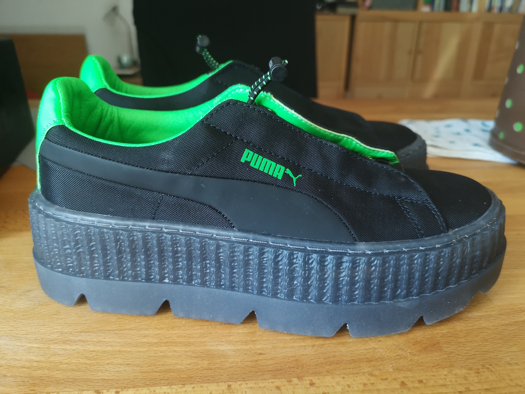 Foto des unpaars   65.00 € Puma Fenty by Rihanna – Cleated Creeper Surf. L:39, R: 38