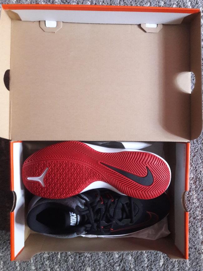 Bild Nummer 2 von Nike Air Versitle 2 Sportschuhe