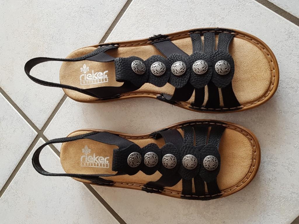 schwarze Sandalen von Rieker